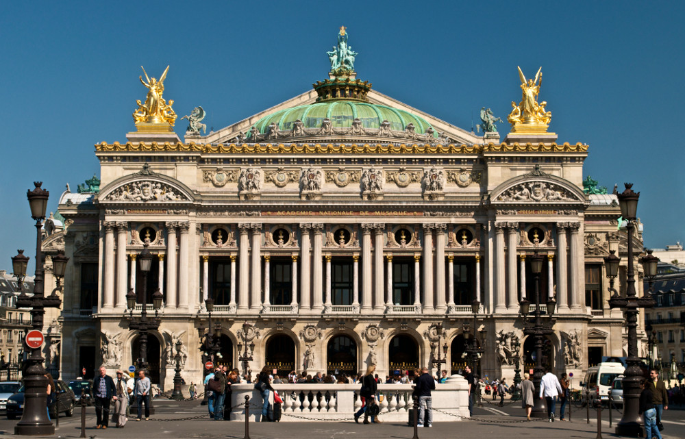 opera-garnier-paris-borne-electrique-escamotable-redilec