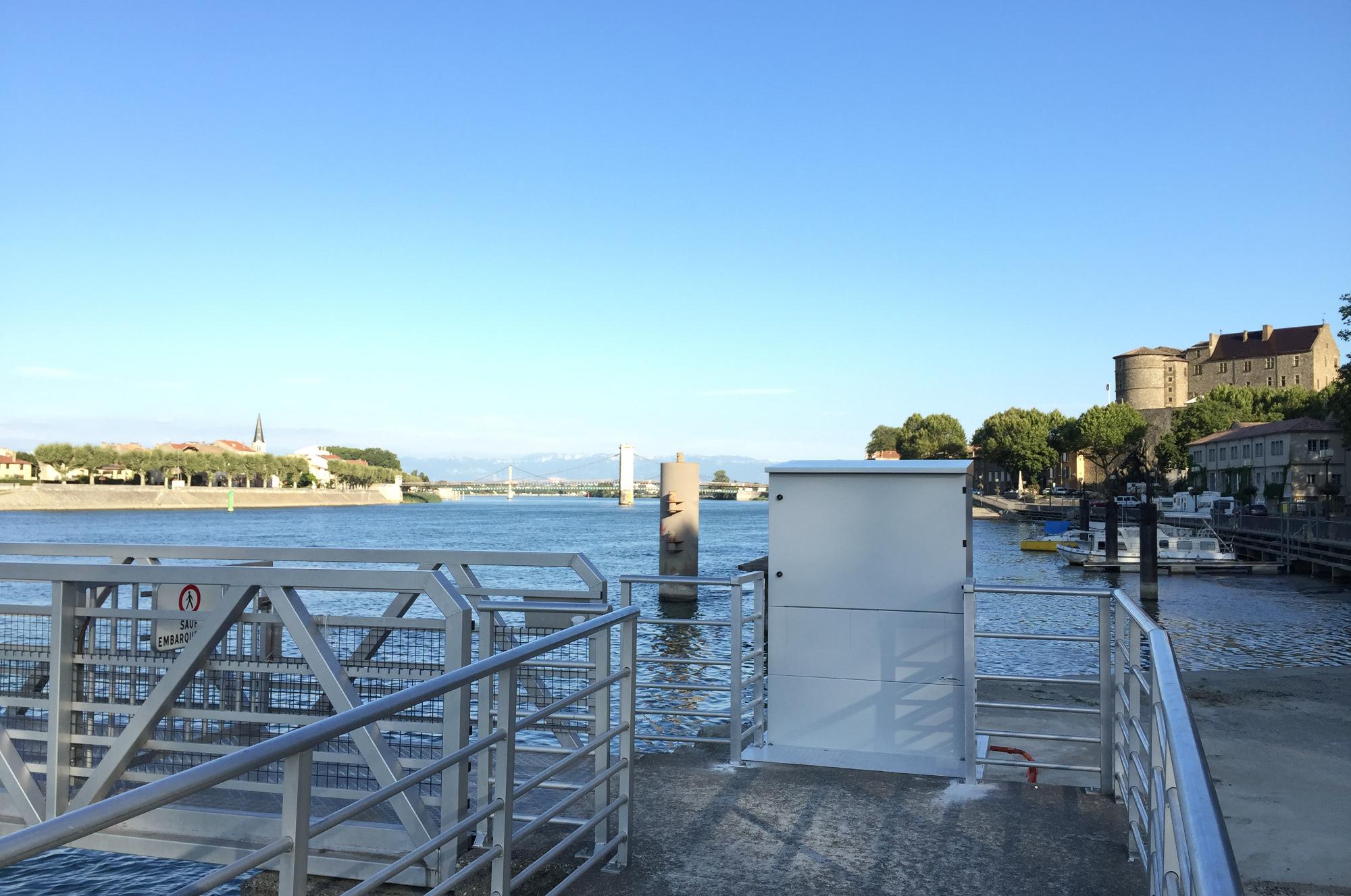 borne electrique bateau fluvial